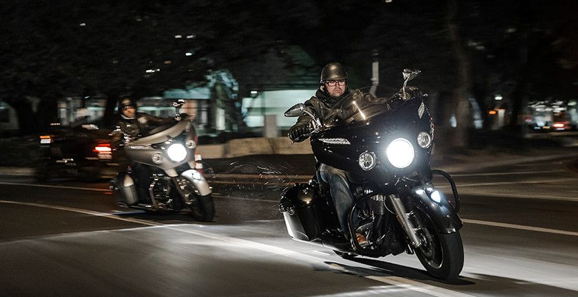 2016 Indian Chieftain Motorcycle Thunder Black Photos