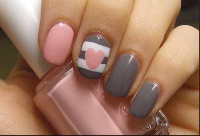 Super cute gray and pink nails!