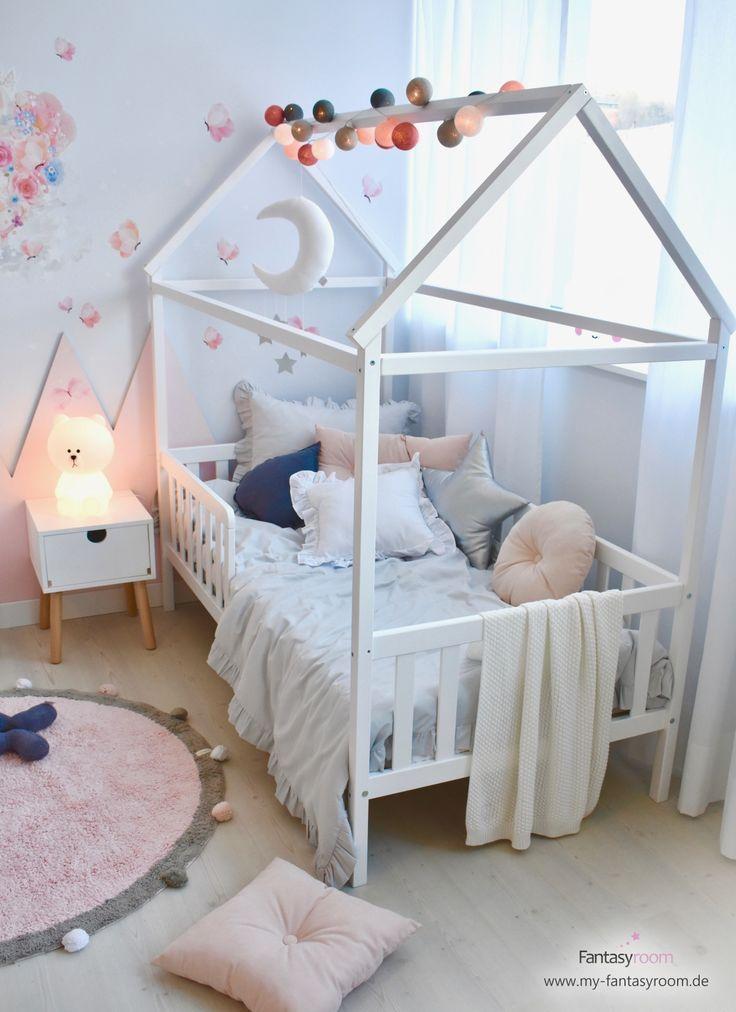 Mädchenzimmer in Rosa & Grau mit Hausbett Mädchenzimmer