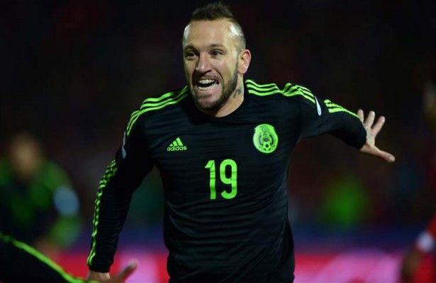 Vuoso El Argentino Que Tiene Sonando A Mexico En Copa America Con Un Doblete Y Muy Activo En El Ataque El Delant Noticias De Futbol Mexico Vs Chile Futbol
