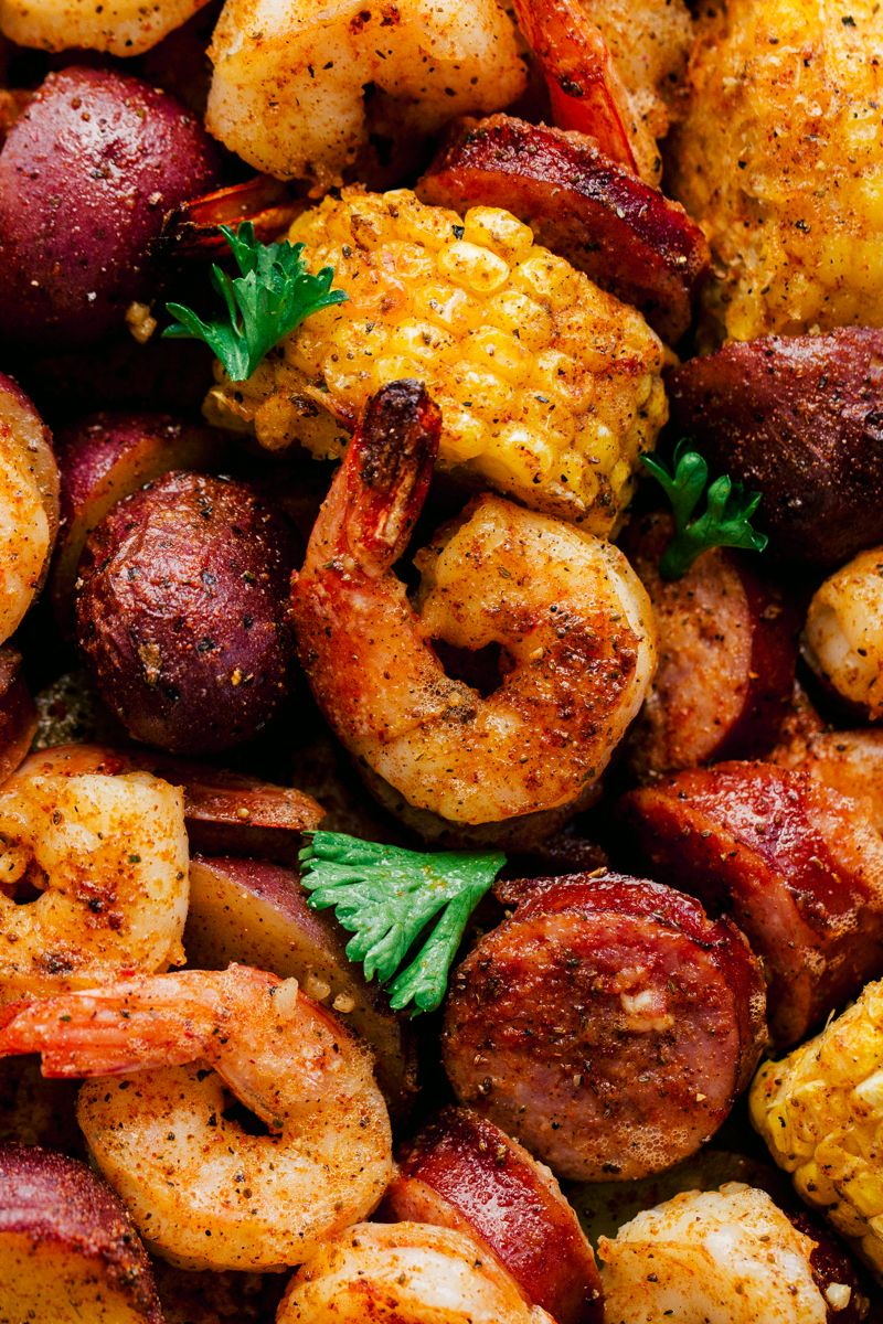 Sheet Pan Garlic Shrimp Boil | The Food Cafe #garlicshrimprecipes