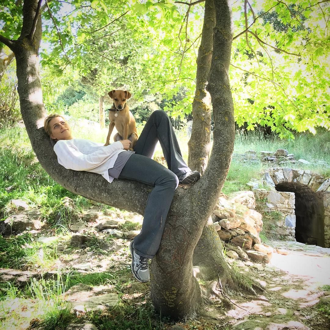 Found the perfect spot- time to rest, recharge and spend time with my boys! #weekend #naturalandhealthyliving #dogsofinstagram #love #grateful #tatianablatnik #justbreathe #reasonsilovegreece