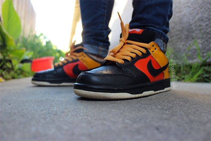 huge selection of c36a4 87e20 Nike SB Dunk Low  Rayguns
