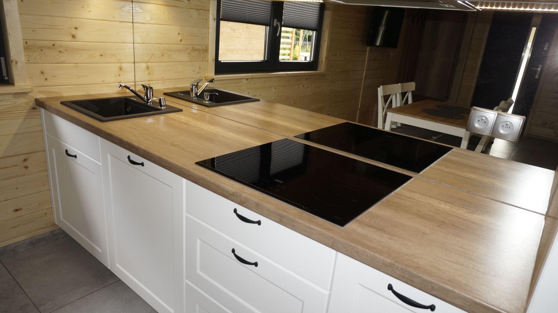 Kompleksowa Realizacja Mebli Na Wymiar W Plazowyzakatek Meble Blat Lustro Kuchnia Meblekuchenne Nowoczesnakuchnia Bialak Kitchen Kitchen Cabinets Decor