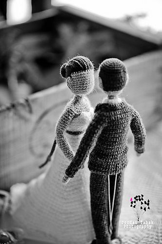 Amazing work!  The Bride and Groom - Irene Strange free pdf pattern - #topcake