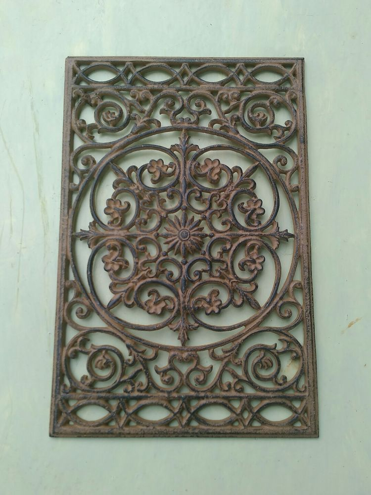 Rustic Look Ornate Large Cast Iron Wall Hanging 17 X11