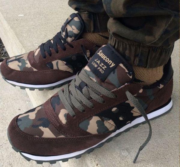 La sneaker camouflage : décryptage de la tendance (avec