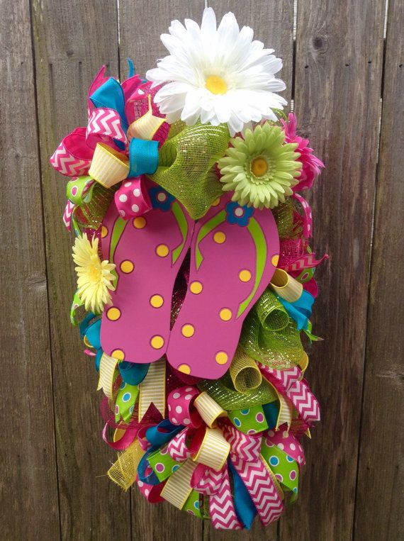 6970902e9385 Welcome hot summers with this cool and elegant wreath  choose bright color  flip-flop for this activity.