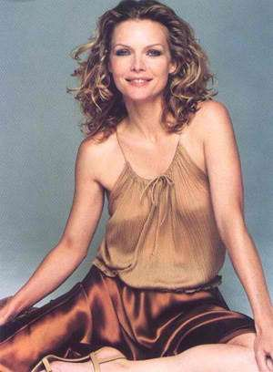Michelle pfeiffer tits photo