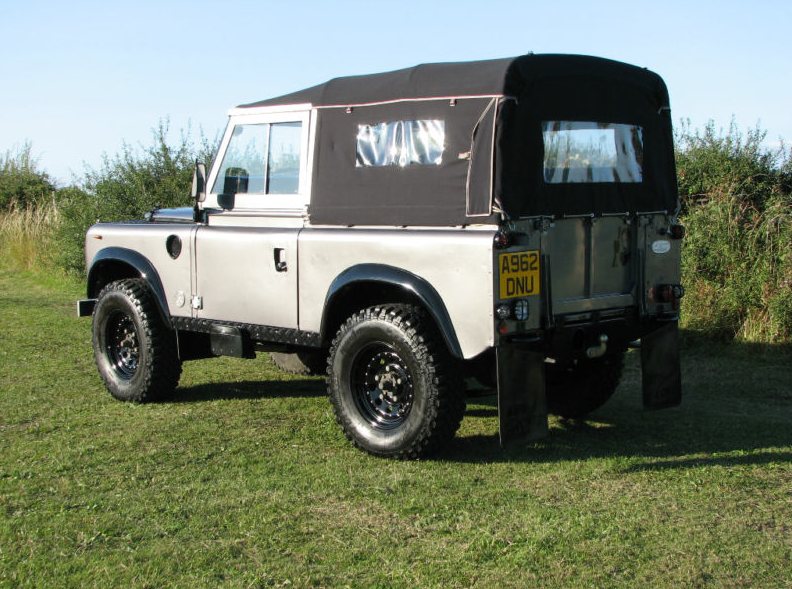 LAND ROVER SERIES 3 Land Rover Series 3 Budget Crisis Survival Vehicle