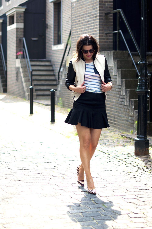 Femme Au Volant En Mini-jupe : femme, volant, mini-jupe, Zara,, Superdry,, Dune,, Www.hannekeverstegen.com, Jupe,, Mode,, Volant