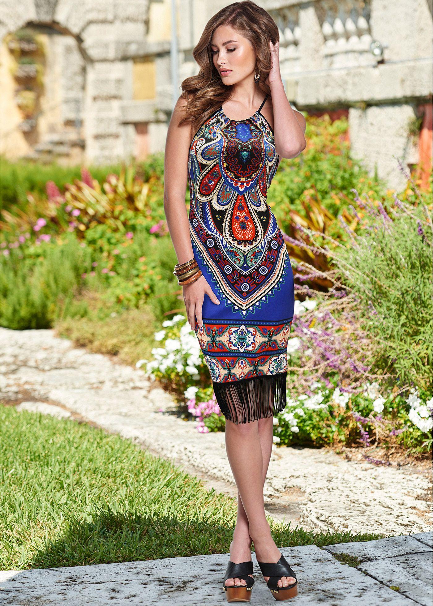 8526dd881 Vestido com franja preto encomendar agora na loja on-line bonprix.de R$  99,90 a partir de A estampa étnica é tendência de moda mais uma vez e faz  uma .