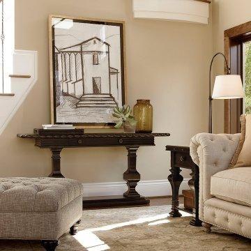 Elegant old world design. Casas