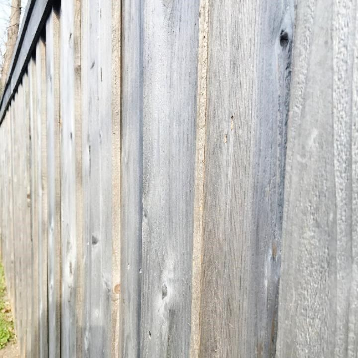 How to paint a fence with a sprayer thistlewood farms
