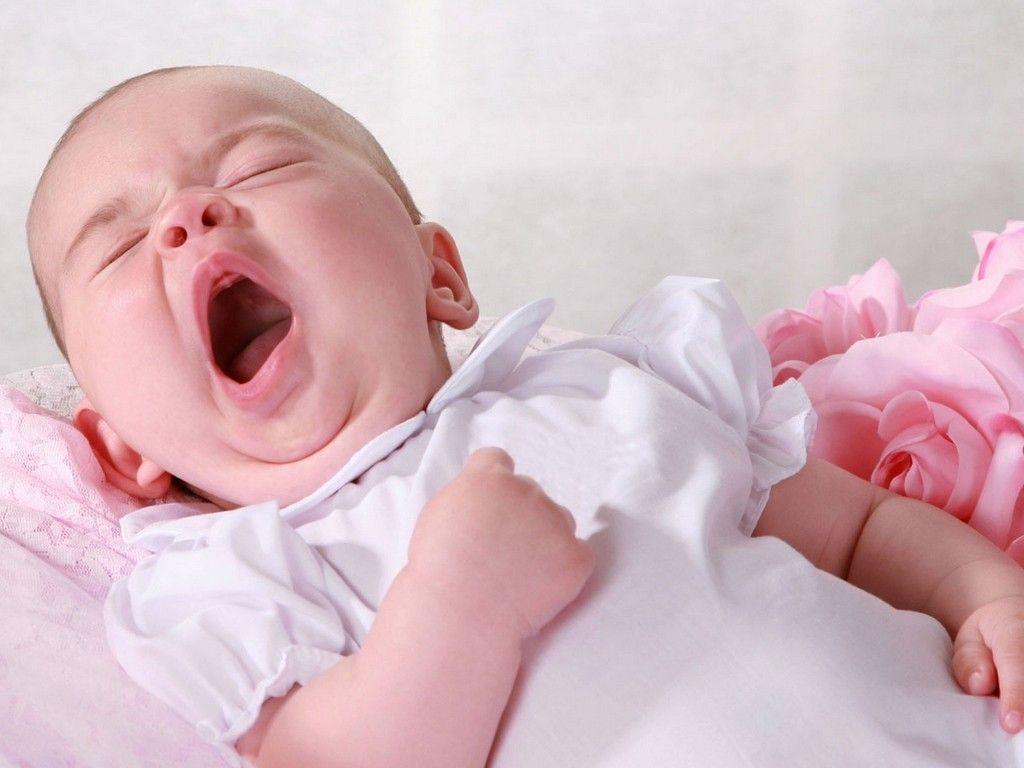Feeling Sleepy My Baby Wont Sleep Baby Sleep Cute Baby Wallpaper