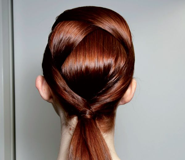 the graphic ponytail, something to try for parties or go to work, be fashionable! #hairinspiration