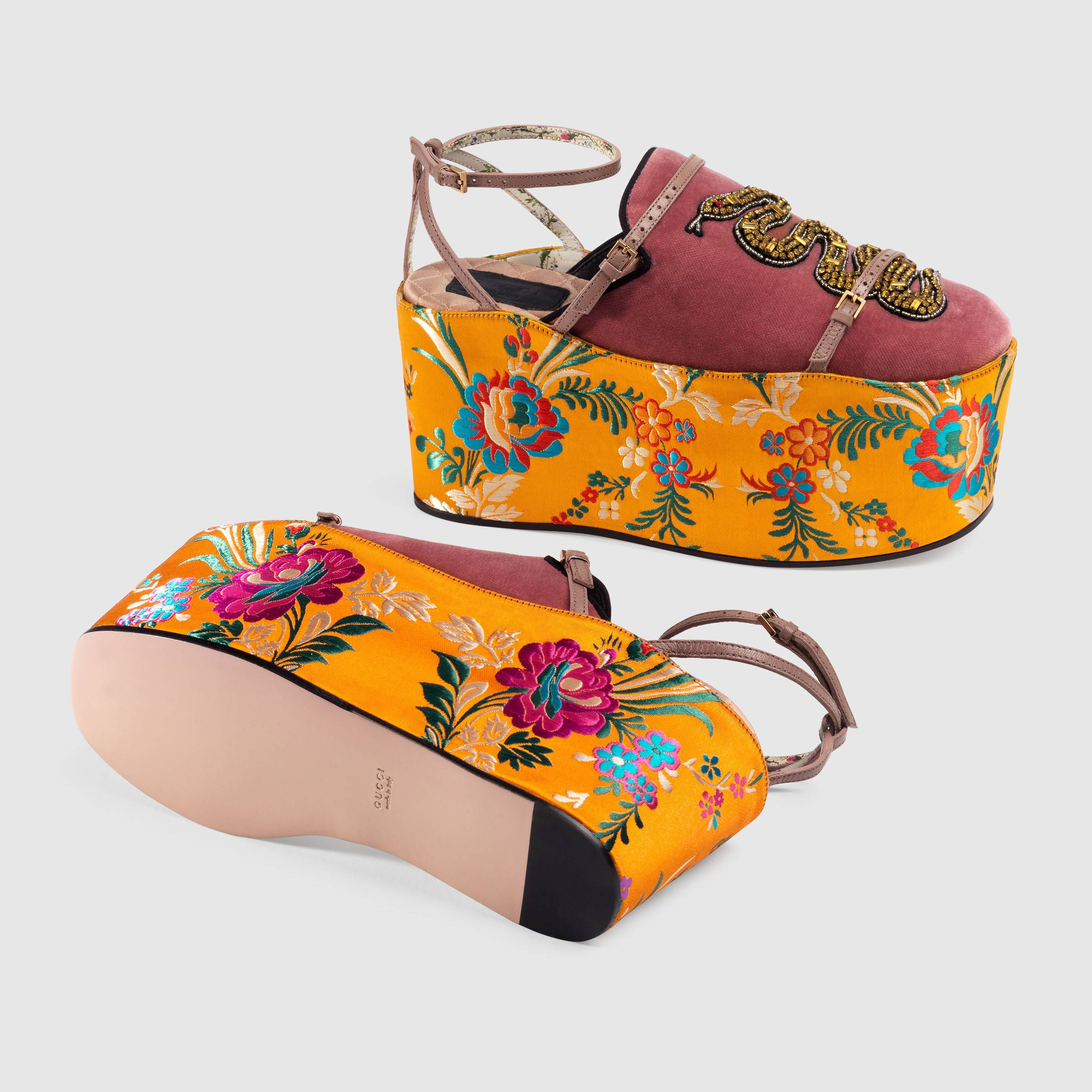 9a030dbcb91 Gucci Velvet slipper with removable platform Detail 6