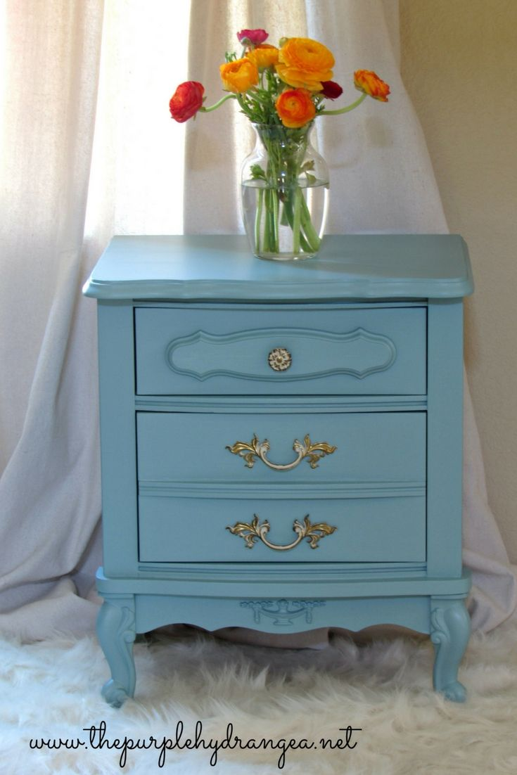 French Provincial Nightstand Preview French Provincial  # Rewind Muebles Vintage