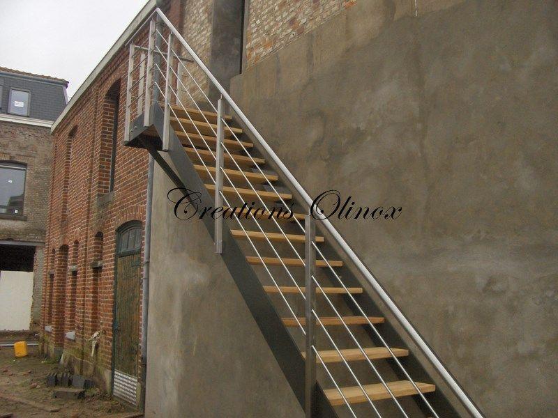Escalier ext rieur pour un acc s au jardin ou terrasse for Exterieure ou exterieur