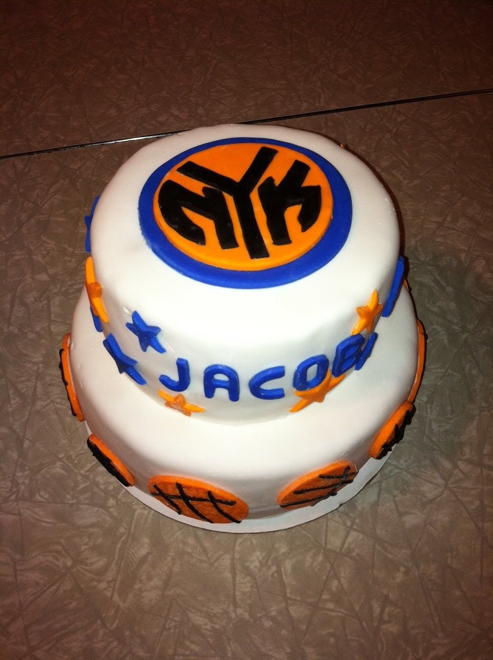 new york knicks pretty cakes theme ideas sweet tooth birthday cakes ...