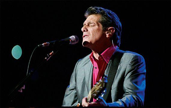 6 de noviembre- Hoy celebramos el cumpleaños de Glenn Frey miembro fundador de los míticos The Eagles