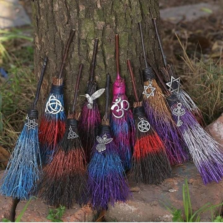 Pin By Susan Gonzalez On Iwitch Witchcraft Witch Broom