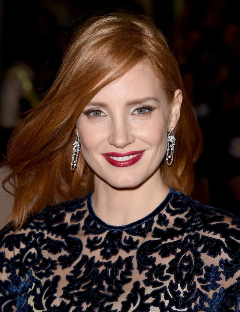 jessica-chastain-attends-the-martian-premiere-at-the-toronto-international-film-festival_1.jpg (800×1041)