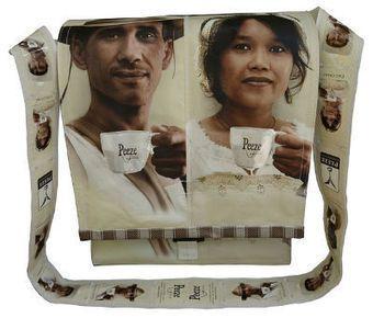 Trendy, milieuvriendelijke tassen van Italiaanse koffiezakken