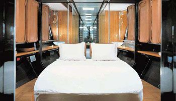 Spacious and comfortable the double bed。舒适宽敞的双人床