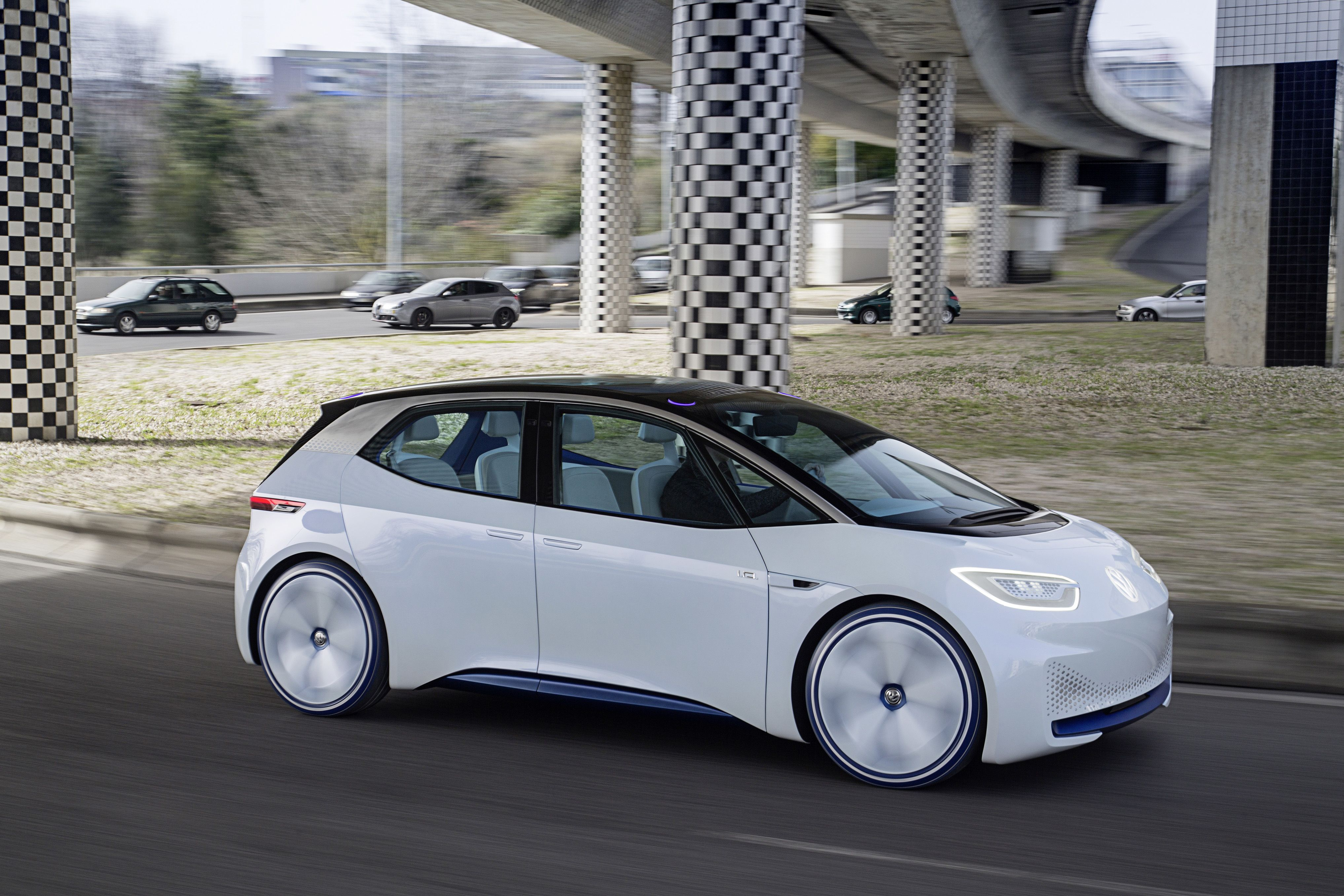 Vw Claims By 2020 Its Electric Cars Will Match Tesla At Half Price Automobile Industry Volkswagen Audi Cars