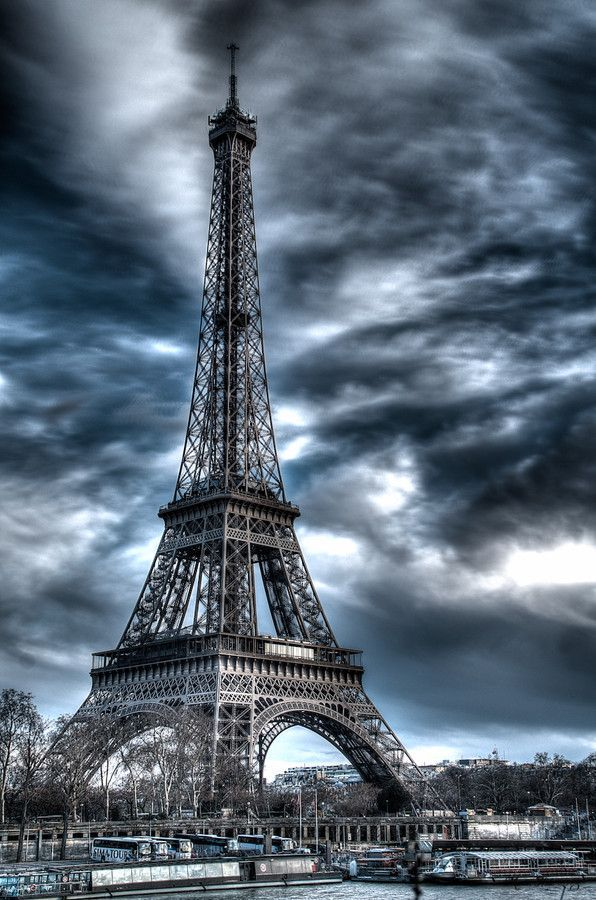 Eiffel Tower by Martin Hůle on 500px #eiffeltower Eiffel Tower by Martin Hůle on 500px #eiffeltower