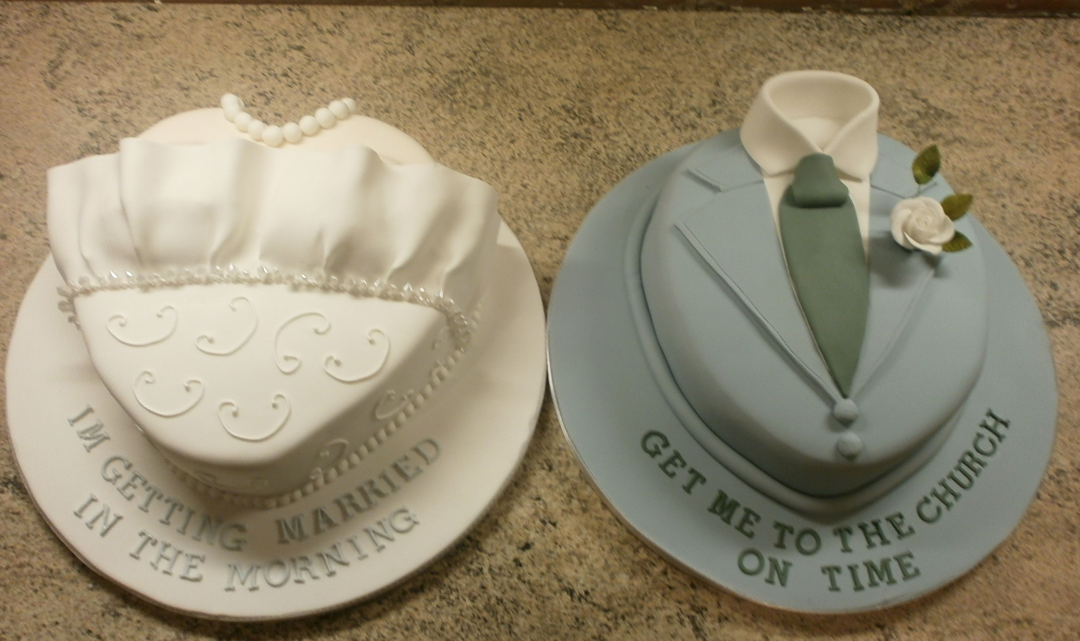 Cute Idea For His And Her Wedding Cake With Images Rehearsal