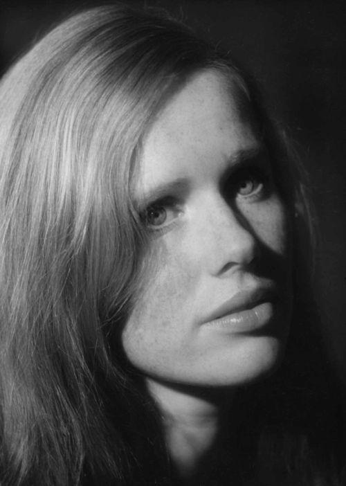 Liv Ullmann Liv Johanne Ullmann born 16 December 1938 is a Norwegian actress