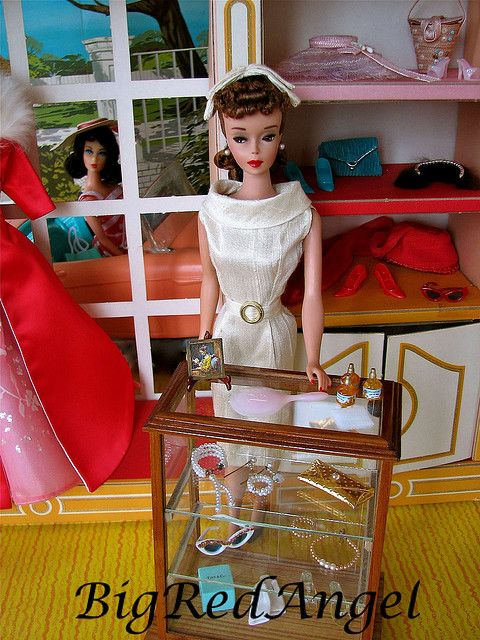 Barbie in her 1963 Fashion Shop