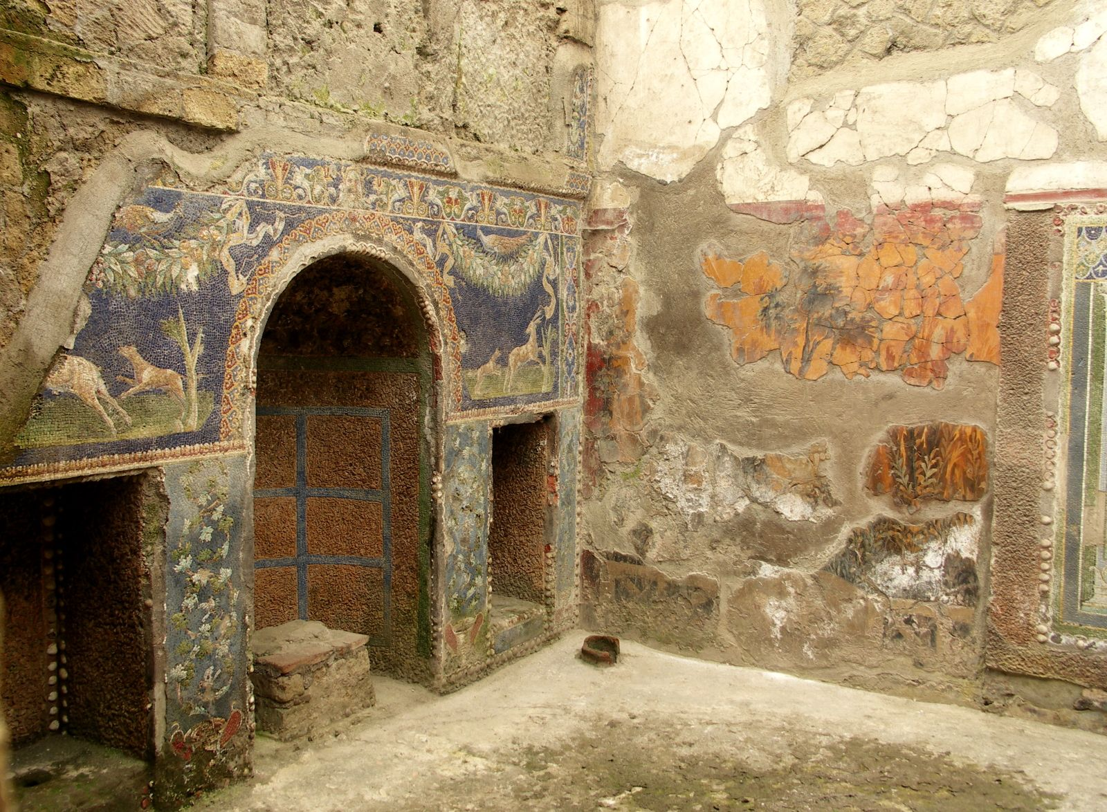Secrets in 2,000-Year-Old Scorched Scrolls of Herculaneum to be Revealed with New Tech