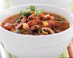 Soupe champêtre aux patates douces, au jambon et aux haricots