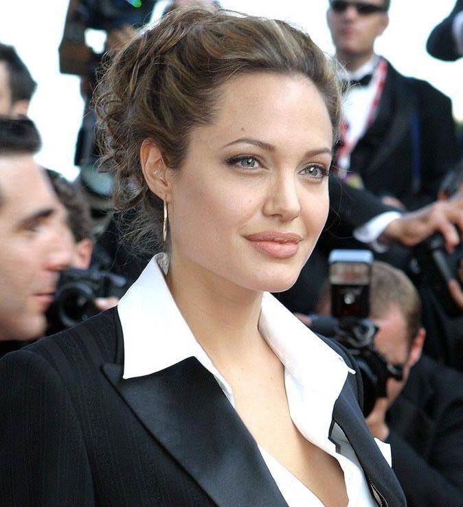 Chignon Angelina Jolie Recherche Google Coiffure Mariage Coiffure Mariage