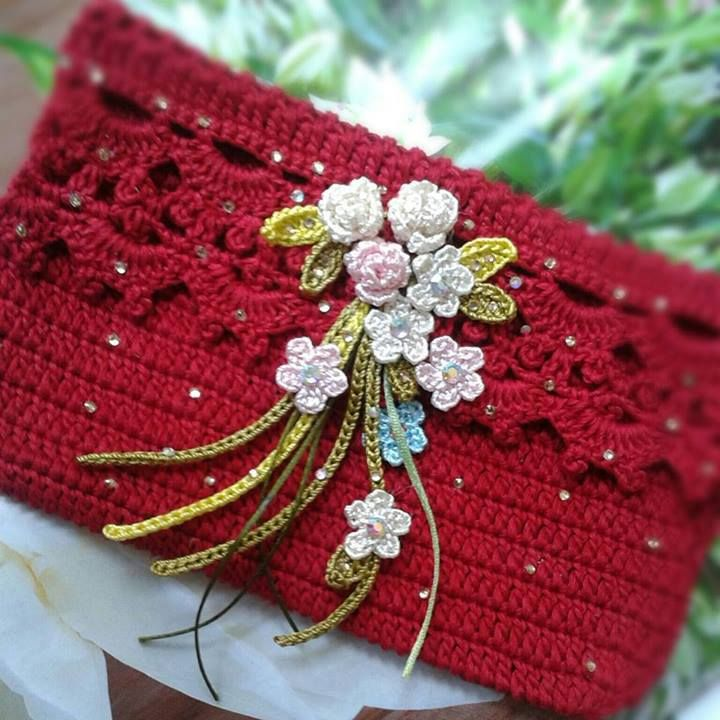 Crochet Red Clutch Purse https://www.facebook.com/photo.php?fbid=537978082936045&set=a.340367726030416.75259.340358509364671&type=1&theater