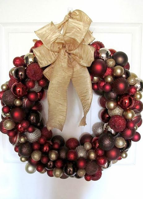 20 DIY Christmas Ornament Wreath Ideas