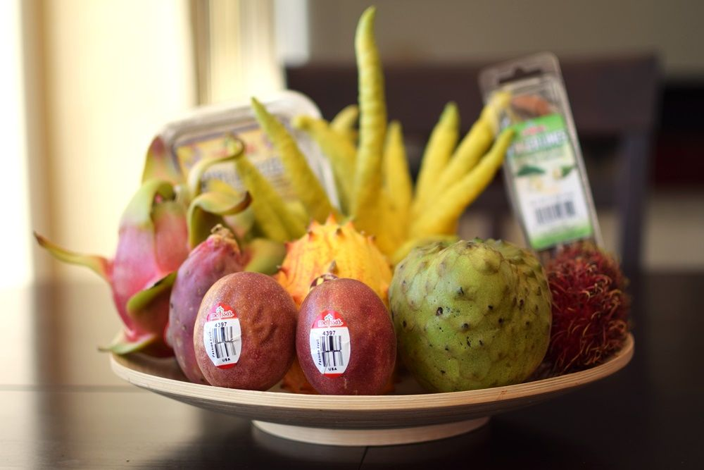 Exotic fruit from @melissasproduce - use it in fun freaky recipes! http://www.melissas.com/Articles.asp?ID=3459