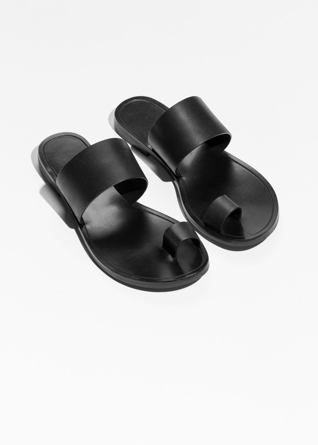 ee86dbf34 Toe Strap Sandals - Black - Flat sandals -   Other Stories