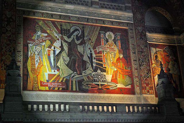 """Thérèse et les Papes"""" Mosaïque de la Basilique de Lisieux"""