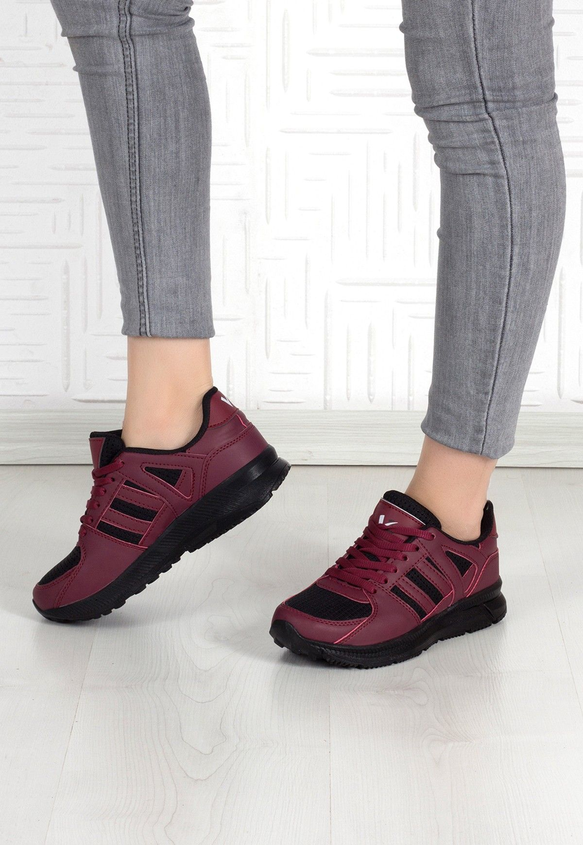 Indirimli Ayakkabi Adli Kullanicinin Shoes Panosundaki Pin Ayakkabilar Bayan Ayakkabi Siyah