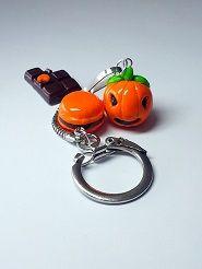 Accessoire de mode / bijou de sac / porte-clés fimo citrouille halloween, chocolat et macaron #halloweenmacarons