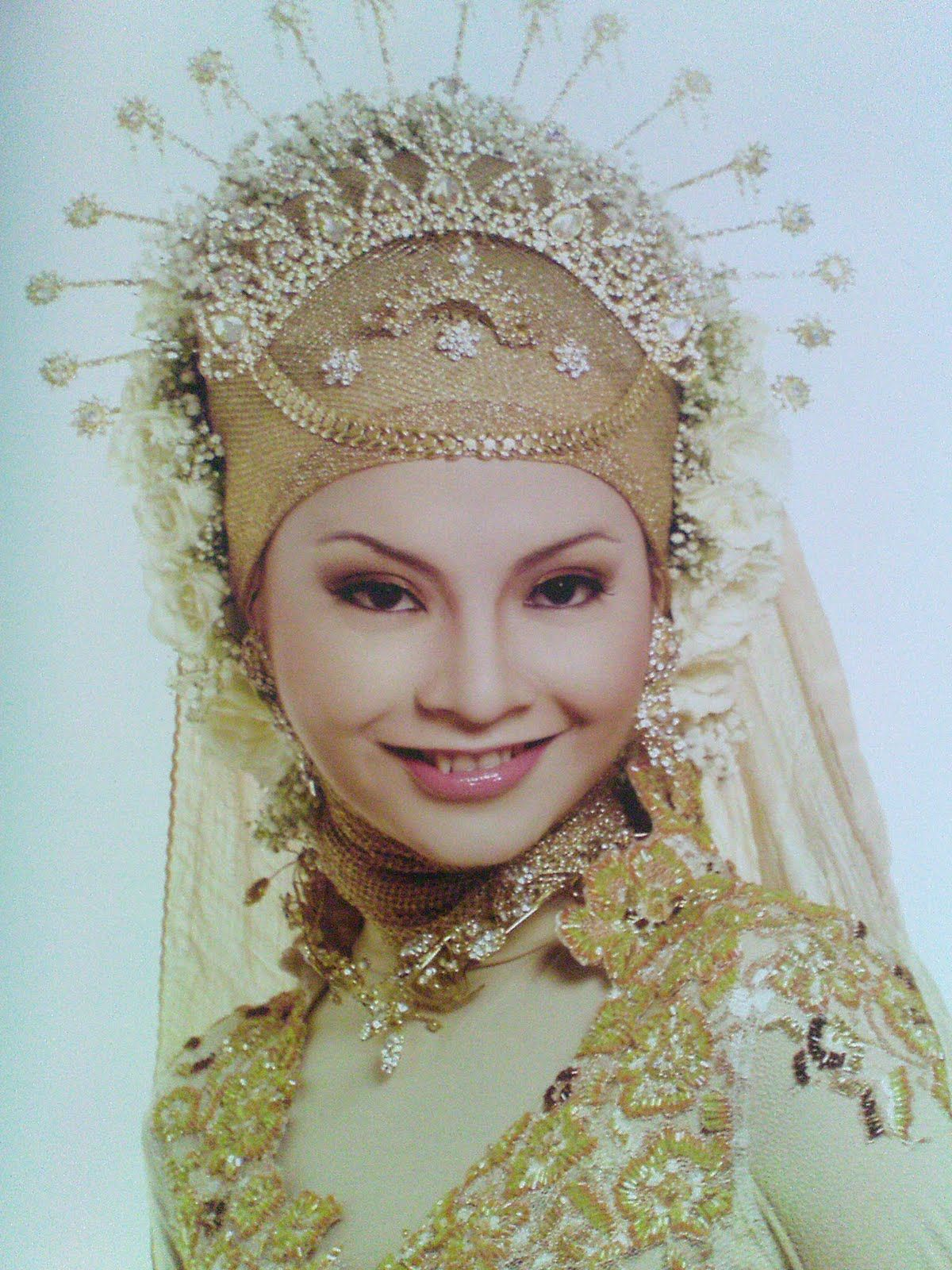 Style by M  Deddy | Wedding Hijab | Wedding hijab, Indonesian