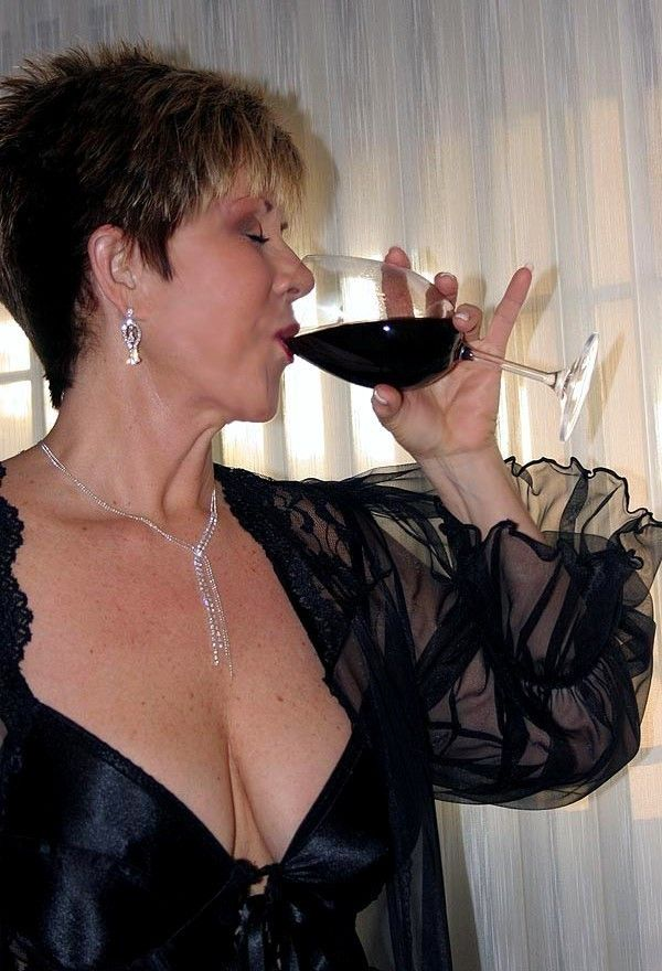 broadway cougars personals Cougar dating 762 likes cougar dating it is a classy, fun and effective cougar brand that encourages mature women and younger men to meet and date.