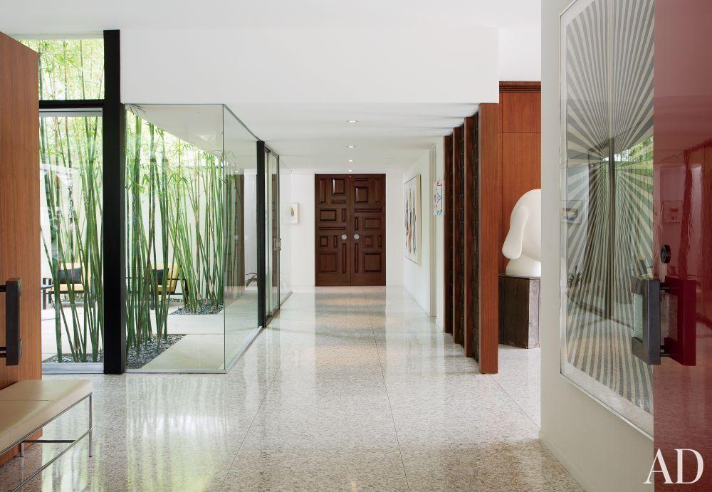 Love that corner window house ideas pinterest for Modern entrance hall ideas
