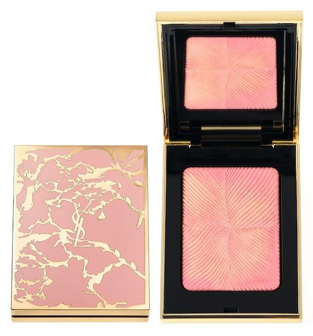 Rosy blush de Yves Saint Laurent.