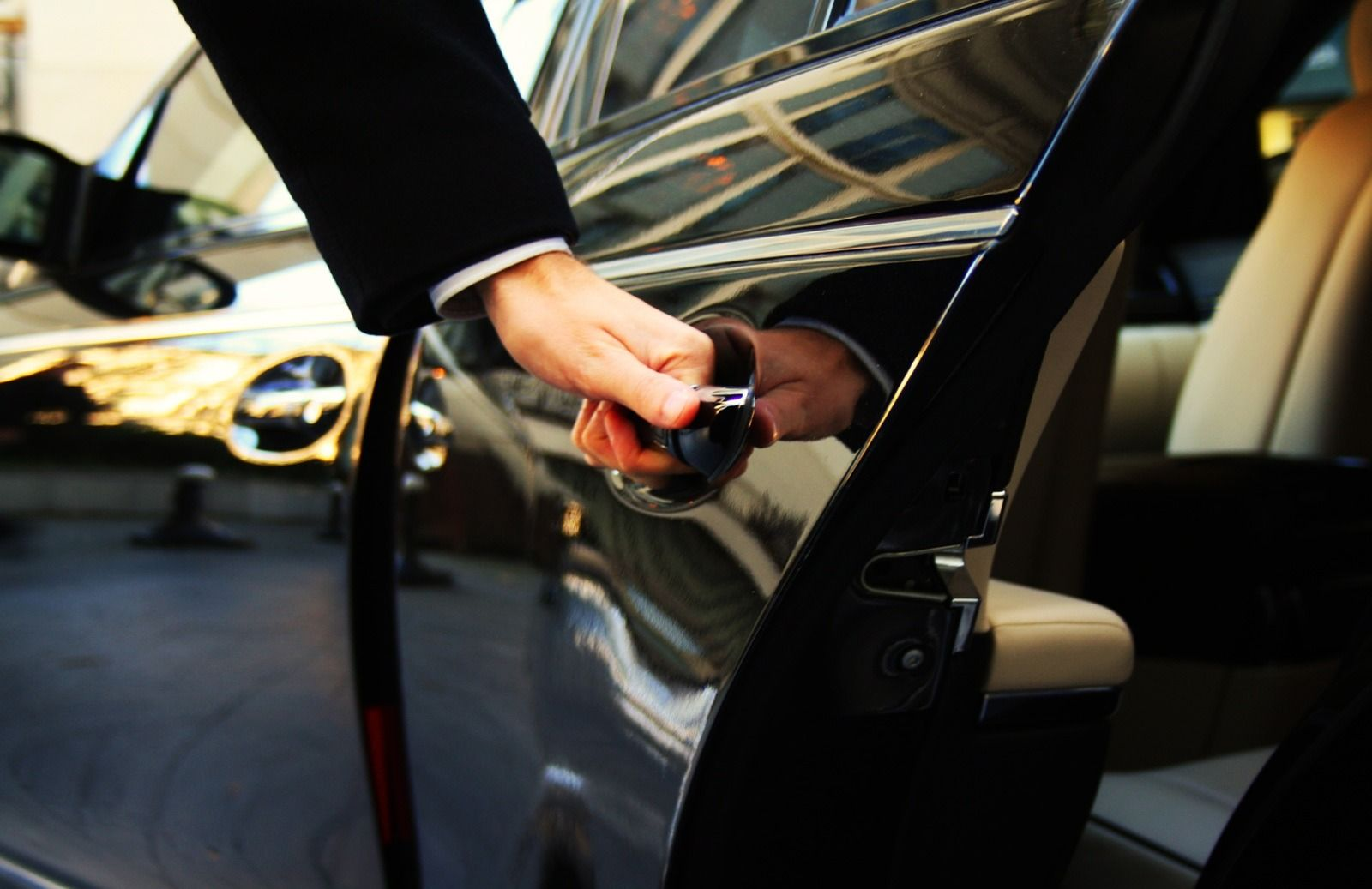 Contact Lady Bird Limousine For Luxury Limo Service To Galveston
