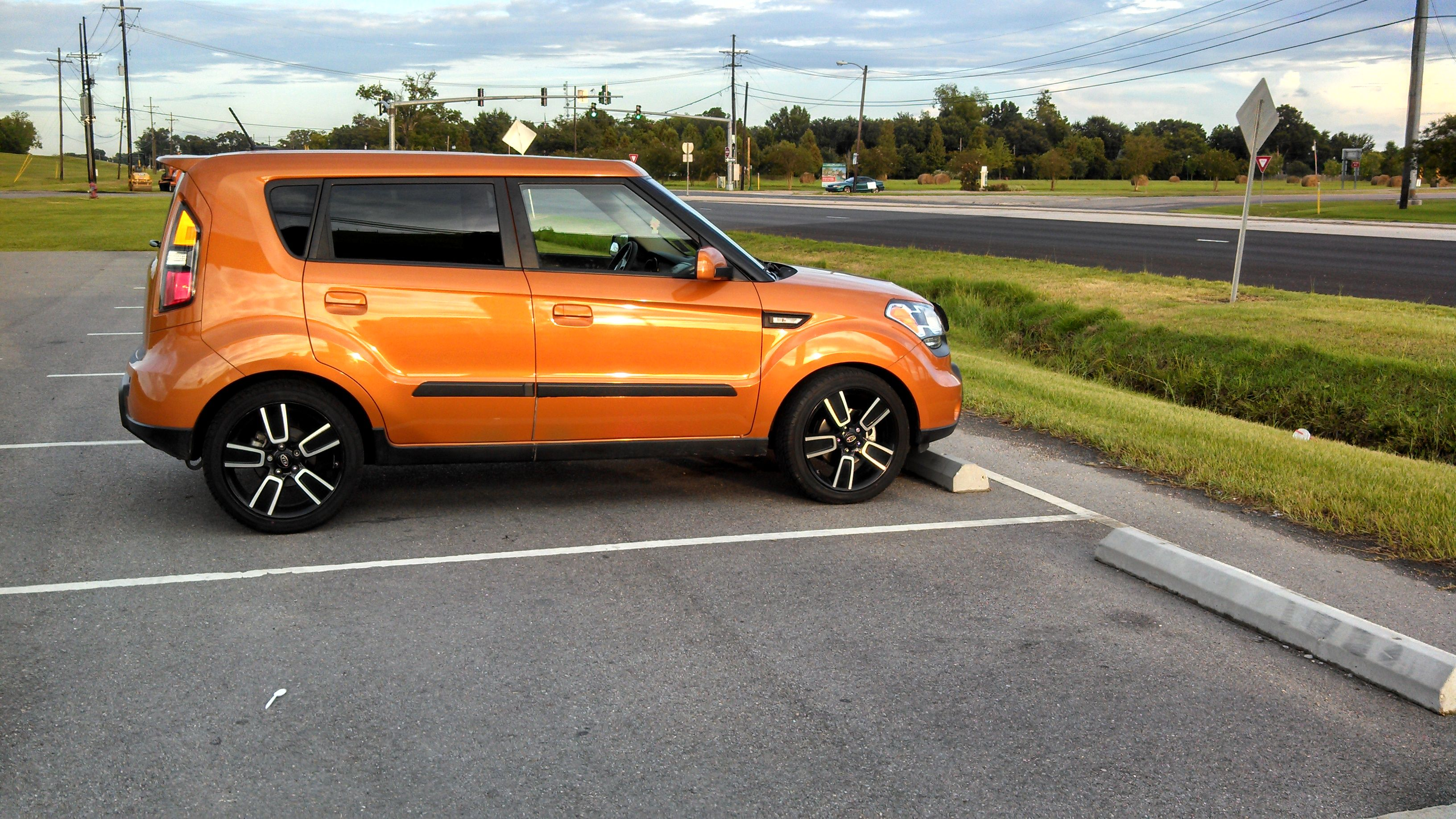 Orange KIA Soul Spotted Along The Mississippi River In New Orleans Courtesy  Of Http:/